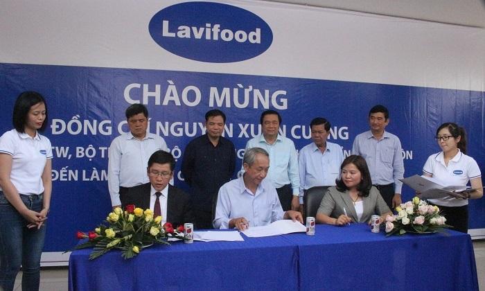 nhiều doanh nghiệp, tổ chức, cá nhân… đã cùng bắt tay vào hành động nhằm tiếp sức người nông dân Việt Nam
