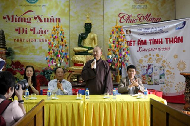 Trao quà cho những người có hoàn cảnh khó khăn tại tỉnh Bắc Ninh