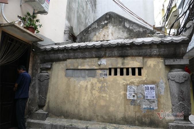 Chục gia đình sống trong ngôi mộ cổ, chuyện rợn tóc gáy giữa lòng thủ đô