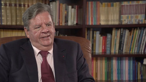 Johann Rupert- chủ tịch của hai thương hiệu nổi tiếng Cartier và Montblanc.