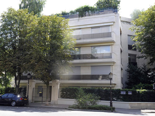 Bà cũng từng sống tại một căn nhà bên cạnh ở Neuilly-sur-Seine. Ảnh: AFP.