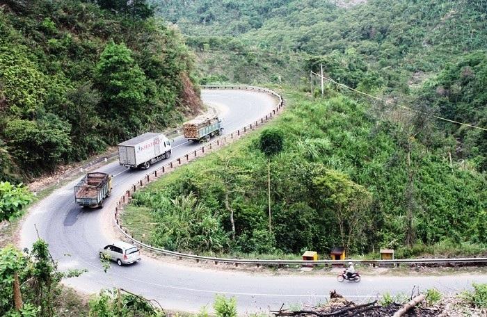 Tuyến đường nối giữa Đắk Lắk - Khánh Hòa hiện hữu rất quanh co, trắc trở (Ảnh: ST)