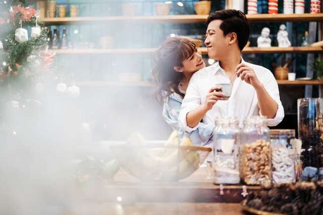 Trường Giang - Nhã Phương tung ra bộ ảnh ngọt ngào được ekip thực hiện tại Đà Lạt vào tháng 1 vừa qua.