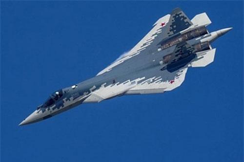 Tiêm kích tàng hình hế hệ 5 Su-57 Felon bị nhận xét thua xa khi đặt cạnh chiếc Su-35 Super Flanker thuộc thế hệ cũ hơn