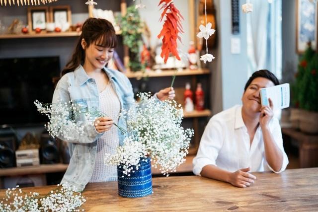 Lần đầu Trường Giang - Nhã Phương thực hiện bộ ảnh ngọt ngào bên nhau ngày Valentine.
