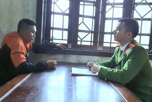 Công an lấy lời khai đối với Quang.