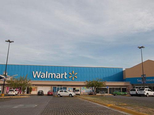 Gia đình Walton vẫn kiếm đều đặn hàng tỷ USD mỗi năm, nhưng những người chủ hiện nay của Walmart vẫn không thể đạt được các thành tựu như Sam Walton trong những năm đầu tiên thành lập tập đoàn này. Ảnh: Getty.