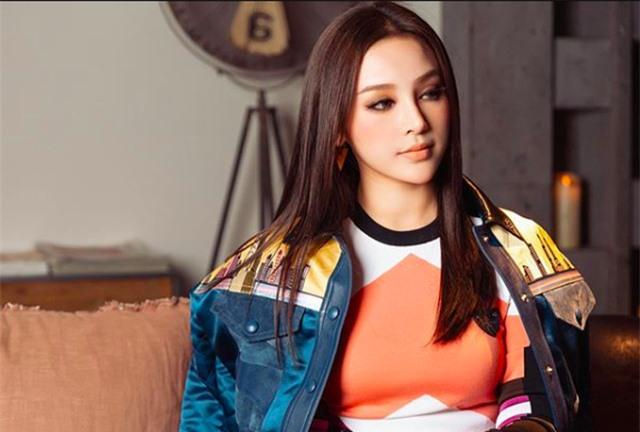 Cựu hot girl Huyền Baby thắng áp đảo màn đọ quà tặng hậu Valentine - 7