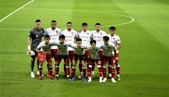 Văn Lâm và các đồng đội ra quân thất bại ở Thai League 2020 - Ảnh: Muangthong United