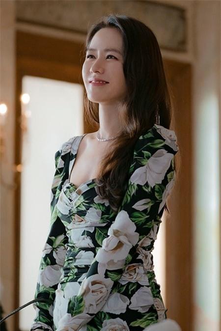 "nhan sac khong tuoi cua  ""chi dep"" son ye jin trong ""ha canh noi anh"" hinh 3"