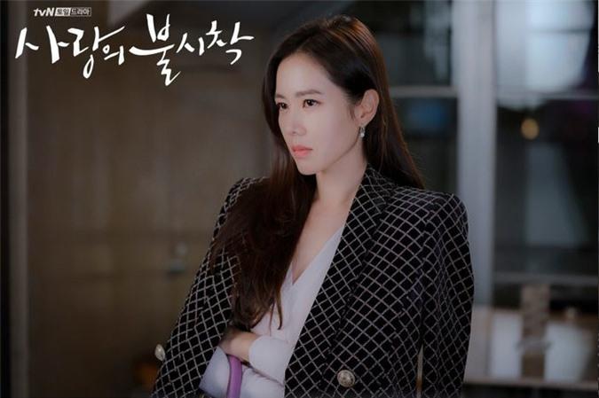 "nhan sac khong tuoi cua  ""chi dep"" son ye jin trong ""ha canh noi anh"" hinh 7"
