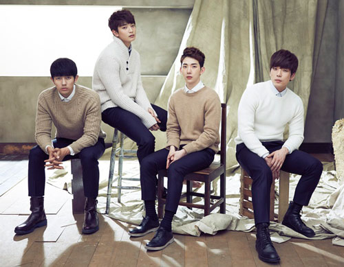 2AM là một trong hai nhóm nhỏ của nhóm nhạc nam 11 thành viên - One Day. Nhóm ra mắt vào năm 2008 với bài hát This Song. Sau chưa đầy 1 tháng debut, 2AM đã giành được giải Nhóm nhạc mới xuất sắc nhất tại lễ trao giải Digital Music.