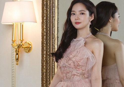 Cứ 'đẹp hết phần thiên hạ' như thế này bảo sao Park Min Young luôn được ca ngợi là 'siêu phẩm dao kéo'