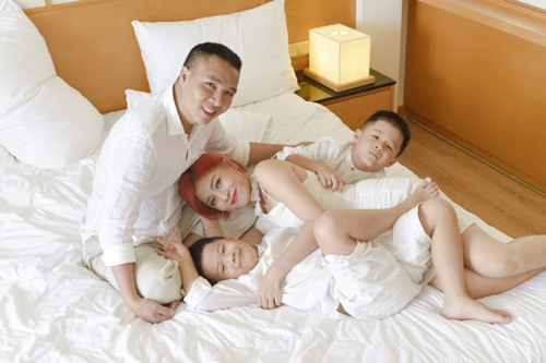 """MC Hoàng Linh đăng đàn """"dằn mặt"""" người yêu cũ của chồng"""