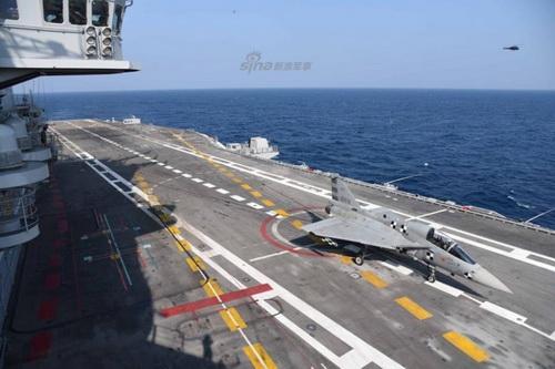 Phiên bản hải quân của tiêm kích hạng nhẹ LCA Tejas. Ảnh: Sina.