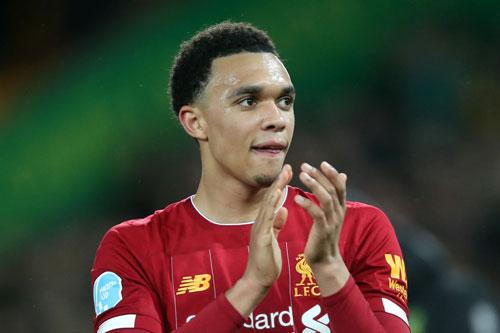 =8. Alexander Alexander-Arnold (Liverpool, giá trị hiện nay: 110 triệu euro, mức tăng: 30 triệu euro).