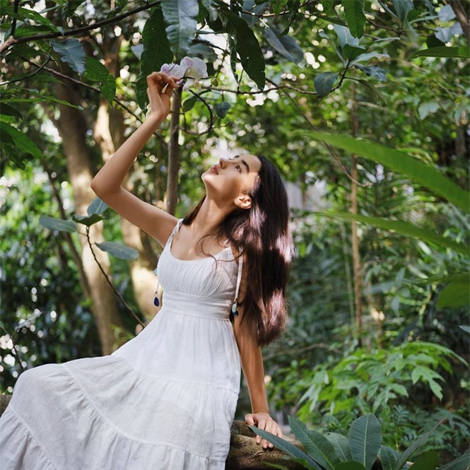 Vẻ đẹp trong veo như trăng rằm của hot girl 16 tuổi đóng Diệp Vấn 4 - ảnh 3