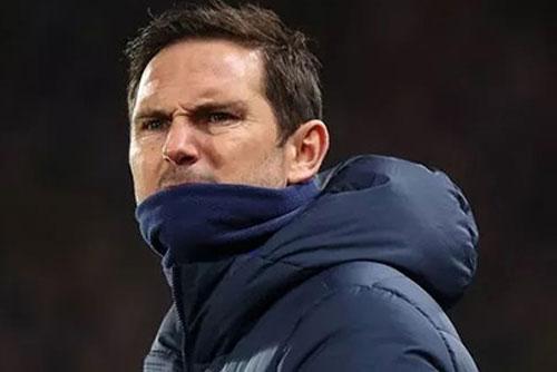Fan Chelsea nổi điên với đội hình 'tệ nhất lịch sử' của Lampard
