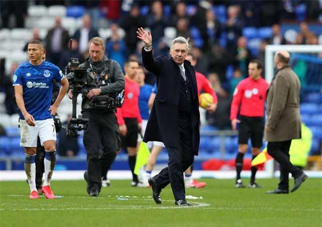 Everton gặp nhiều khó khăn dù có Ancelotti