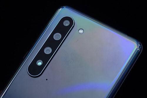 Ngắm smartphone chống nước, quay video 8K, cấu hình 'siêu khủng'