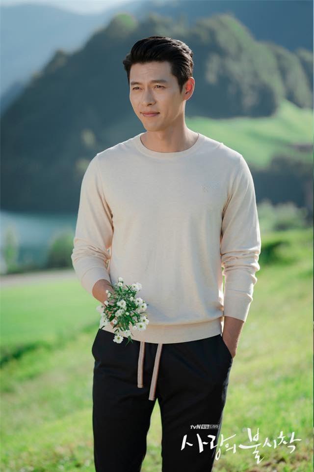Hyun Bin và Son Ye Jin tình bể tình trong loạt ảnh hậu trường - Ảnh 4.