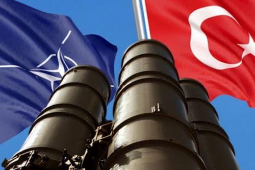 NATO không hỗ trợ Thổ Nhĩ Kỳ trong cuộc chiến tại Syria là bởi hợp đồng S-400? Ảnh: TASS.