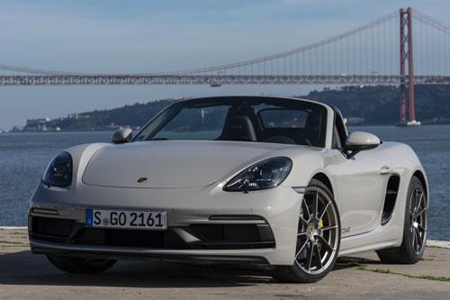 5. Porsche 718 Spyder (giá khởi điểm: 97.650 USD, công suất tối đa: 414 mã lực).