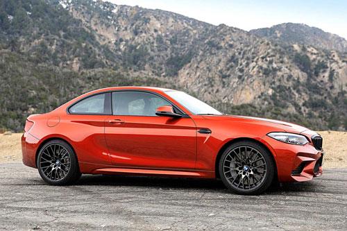 6. BMW M2 Competition (giá khởi điểm: 59.895 USD, công suất tối đa: 405 mã lực).