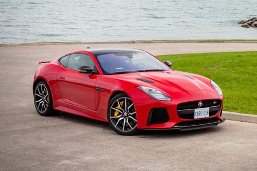 8. Jaguar F-Type (giá khởi điểm: 85.325 USD, công suất tối đa: 380 mã lực).