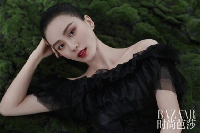 Ấn phẩm thời trang đầu tiên Lưu Thi Thi góp mặt sau thời gian ở ẩn đã xuất hiện - Ảnh 2.