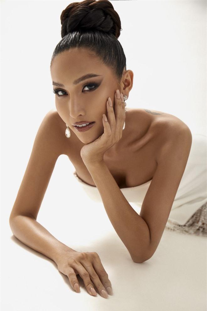 Bộ ảnh mới của Hoài Sa trước thềm Miss International Queen 2020: Thần thái, sắc vóc đúng chuẩn Hoa hậu đây rồi! - Ảnh 3.