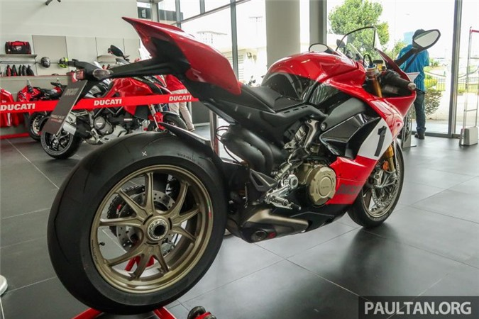 anh chi tiet ducati panigale v4 25th anniversary 916 co gia 2 ty dong hinh 2