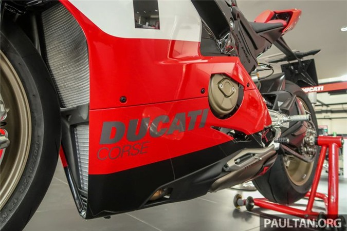 anh chi tiet ducati panigale v4 25th anniversary 916 co gia 2 ty dong hinh 8