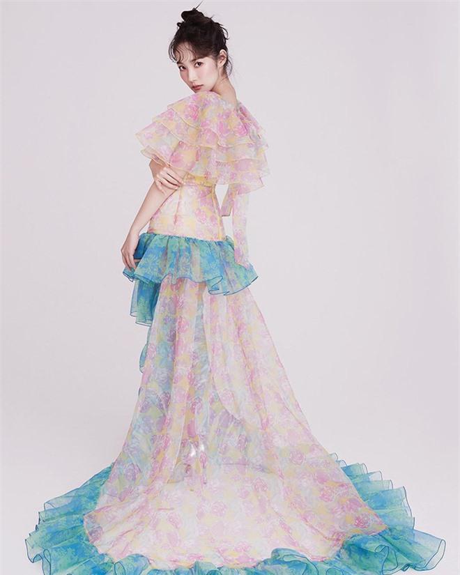 Hớp hồn vì bộ ảnh của Park Min Young: Đúng đẳng cấp nữ hoàng dao kéo đẹp nhất Kbiz, make up sương sương là đủ lên hình - Ảnh 5.