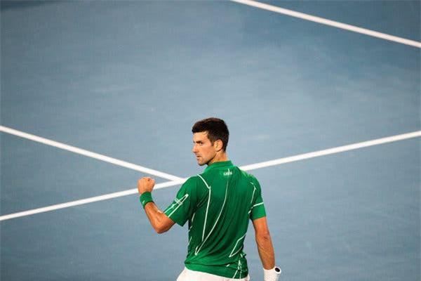 Novak Djokovic xuất sắc hơn Roger Federer! - Ảnh 1.