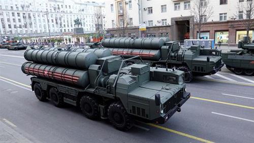 """""""Bí ẩn"""" về vũ khí Nga sắp bán cho Iran"""