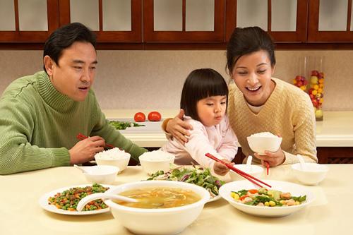"""Làm 5 việc này sau khi ăn cơm là tự mình """"phá hoại"""" sức khỏe, nguy hiểm nhất là điều số 3"""