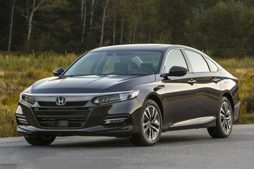Top 10 xe sedan cỡ trung đáng mua nhất năm 2020: Gọi tên Honda Accord, Mazda 6; Toyota Camry vắng mặt