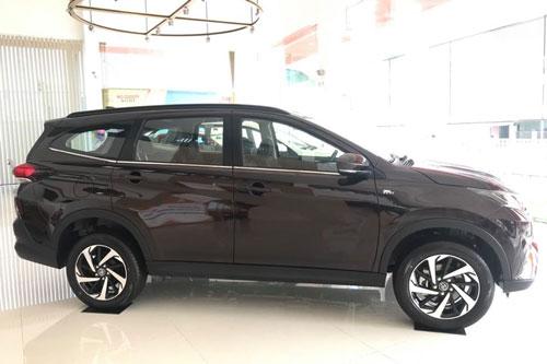 Toyota Rush giảm giá mạnh, 'quyết đấu' với Mitsubishi Xpander