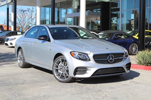 8. Mercedes-Benz E-Class 2020 (giá khởi điểm: 55.045 USD).