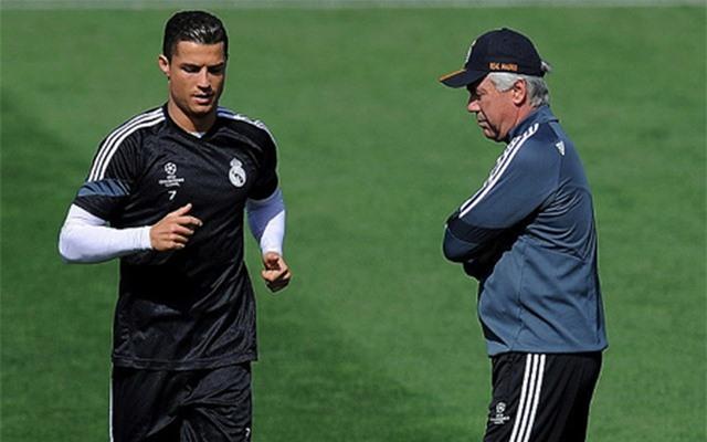 """C.Ronaldo gây """"bão"""" với loạt ảnh khoe thân dầm nước đá đầy ấn tượng - 3"""