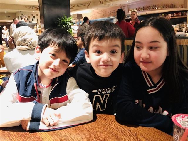 Cậu bé 10 tuổi là con lai Việt – Anh sở hữu gương mặt đẹp như tranh vẽ - 3