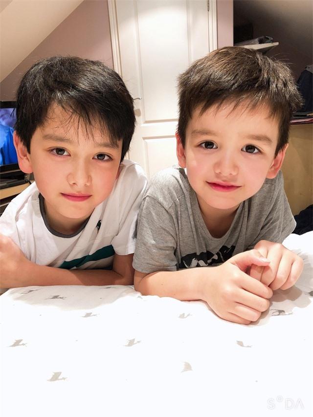 Cậu bé 10 tuổi là con lai Việt – Anh sở hữu gương mặt đẹp như tranh vẽ - 8
