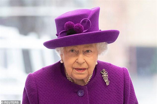 Hoàng gia Anh đưa ra thông báo ấn định ngày rời cung điện chính thức của Hoàng tử Harry và Meghan Markle không còn xa - Ảnh 2.
