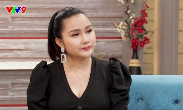 Vợ trẻ Khánh Đơn từng hoang mang khi biết anh nuôi bố vợ cũ - Ảnh 1.