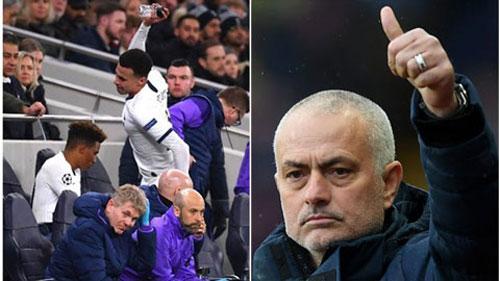 """Dele Alli """"phát điên"""" khi bị thay ra, Mourinho vẫn """"vuốt ve"""" trò cưng"""