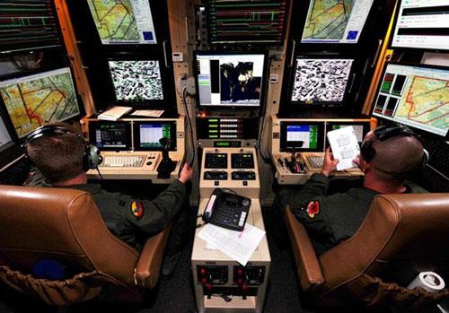 Buồng điều khiển máy bay không người lái của không quân Mỹ. Ảnh: United States Air Force.