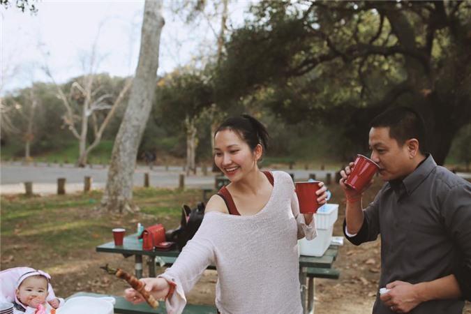 Kim Hiền cho biết cuộc sống ổn định, hạnh phúc nhờ sự hỗ trợ khá nhiều từ cha mẹ chồng.