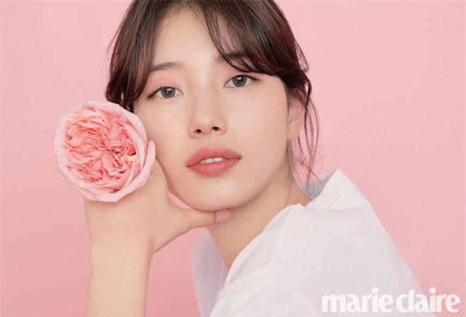 Vừa tung bộ ảnh tạp chí mới, Suzy đã bị tố bắt chước kiểu môi hở răng lạnh của Jennie (BLACKPINK): Liệu có đúng là copy? - Ảnh 3.