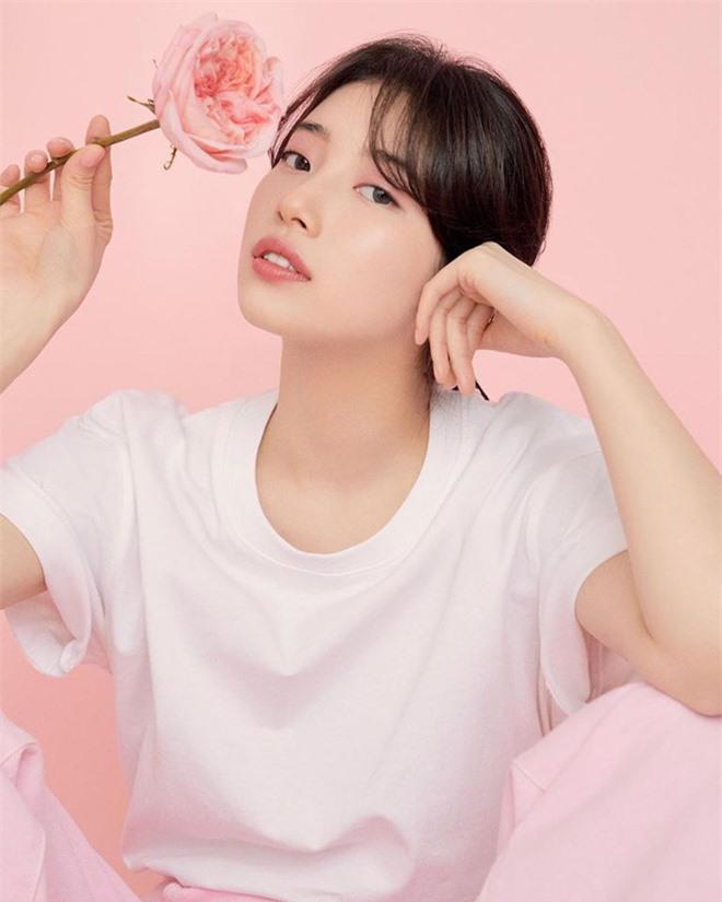 Vừa tung bộ ảnh tạp chí mới, Suzy đã bị tố bắt chước kiểu môi hở răng lạnh của Jennie (BLACKPINK): Liệu có đúng là copy? - Ảnh 8.
